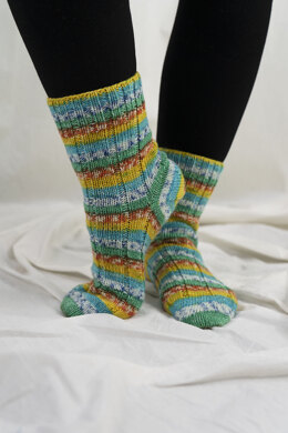 Time Step Socks in Cascade Yarns Heritage Prints - FW244 - Downloadable PDF