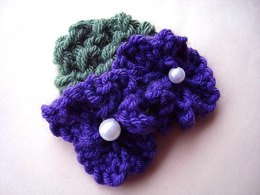 690 KNIT FLOWER AND LEAF
