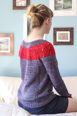 Angel in the Making Pullover