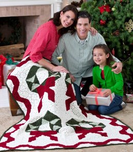 Christmas Wreath Throw in Red Heart Super Saver Economy Solids - LW3111