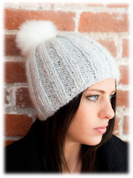 Hat in Plymouth Yarn Inspire - 2725 - Downloadable PDF