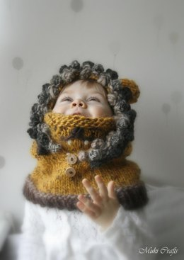 Hooded cowl Lion Leon