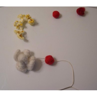 Felted Popcorn and Cranberry Garland