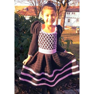 Princess Ansleigh's Sweet Heart Dress - Size 4/5 Girls