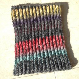 Color Shift Brioche Cowl
