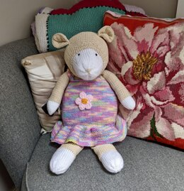 Shelly Sheep cuddly knitted toy