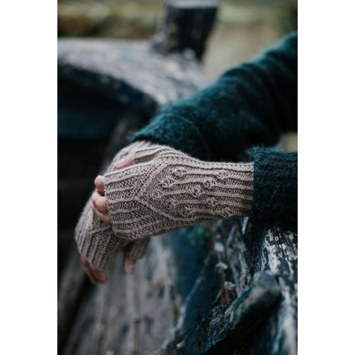 Virva Fingerless Mitts