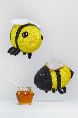 Buz & Belinda Bumblebee in Red Heart Amigurumi - LM6289 - Downloadable PDF