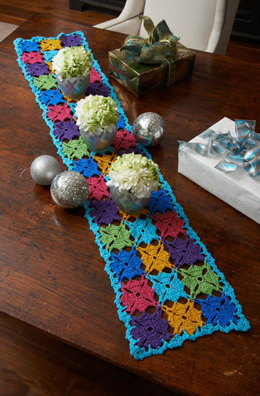 Holiday Party Table Runner in Red Heart Celebration - LW3632 - Downloadable PDF