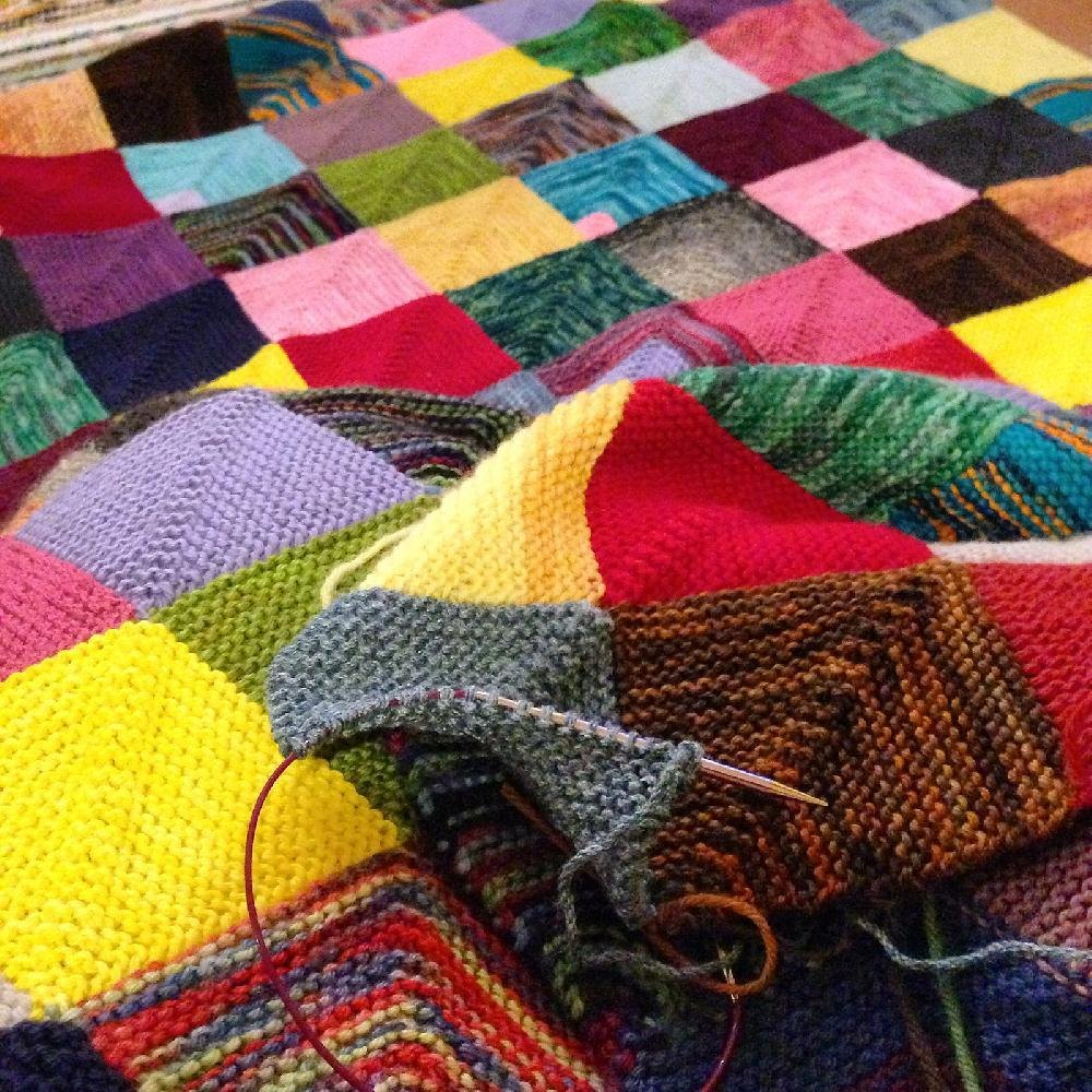 Free Knitting Quilt Patterns : Memory blanket knitting pattern by georgie hallam tikki