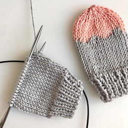 Baby Mittens Acri in Hoooked Somen - Downloadable PDF