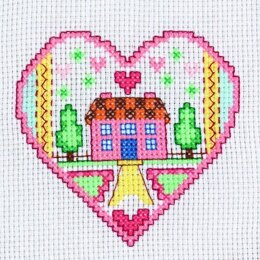 Creative World of Crafts Mini Kits - Heart