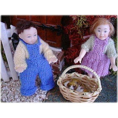 1:12th scale Toddlers dungarees, skirt and jumpers c. 1950s