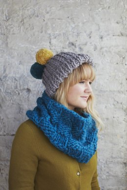 """Dandelion Hat"" - Hat Knitting Pattern For Women in Debbie Bliss Roma"