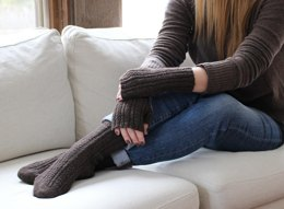 Skyp Cable Socks & Mitts
