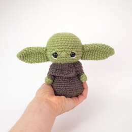 Free Baby Yoda Inspired Fan Art Pattern