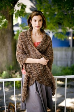 Honest Warmth Shawl in Lion Brand Homespun - 81046AD
