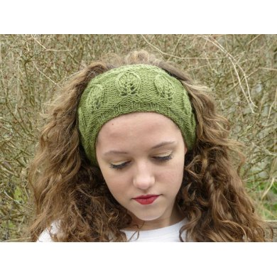 Leaf Motif Headband Knit in the Round