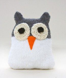 Snow Owl in Lion Brand Wool-Ease - L20060