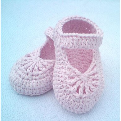 Crocheted Baby Girl Shoes
