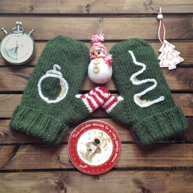 Green Christmas Mittens