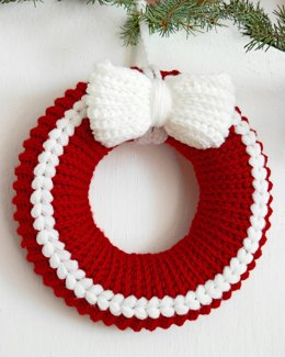 English and German Pattern. Cable Christmas Wreath