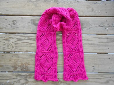 Lattice and Diamonds Scarf
