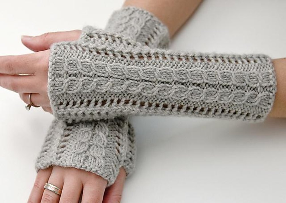 Lace Mittens Knitting Pattern : Lace Fingerless Gloves Knitting pattern by Luciana Boic