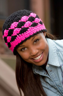 Shells are Swell Beanie in Red Heart Heads Up - LW3827EN