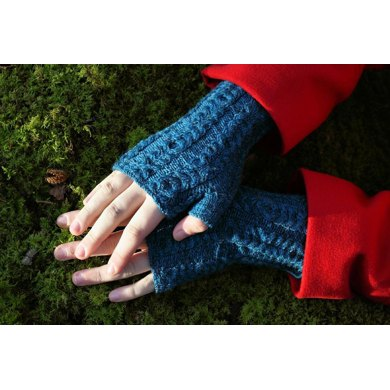 Trethawle Fingerless Mittens