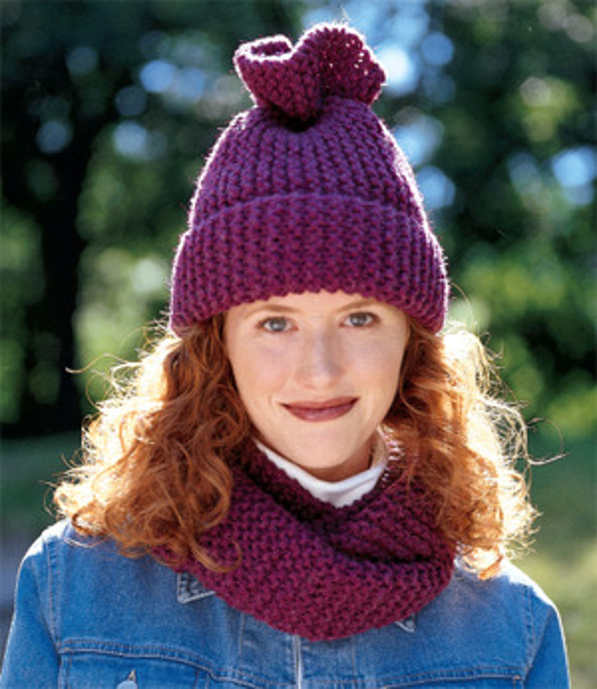 Tube Moebius Scarf And Hat In Lion Brand Wool Ease Chunky