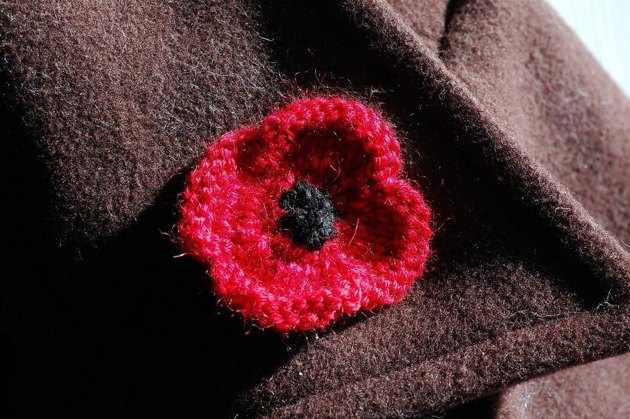 Knitting Pattern Red Poppy : A Poppy for Remembrance Knitting pattern by Laura Chau Knitting Patterns ...