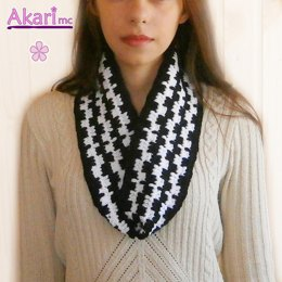 Cowl in black and white _ M29