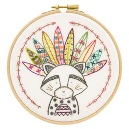 Un Chat Dans L'Aiguilles Lulu the Tribe Chief Contemporary Embroidery Kit - 15CM