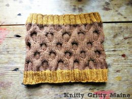 The Honeycomb - The Cowl Neckwarmer