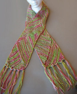 Multi-Directional Triangle Scarf in Artyarns Supermerino - P68