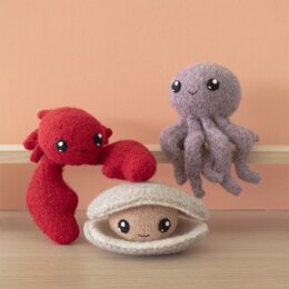 Surfs Up 1 Felted Knit Amigurumi with Lobster, Octopus and Clam