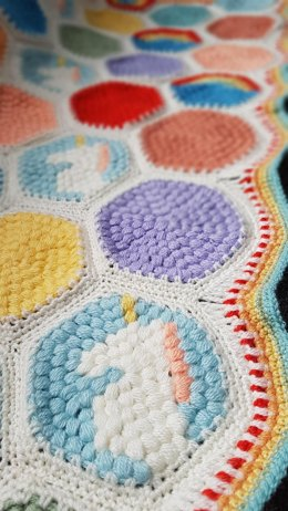 Hexipuff Unicorn Blanket