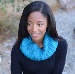 Vertical Lines Cowl in Cascade Yarns Anthem Chunky - C353 - Downloadable PDF