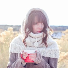 """The Huggle"" Hooded Cowl"