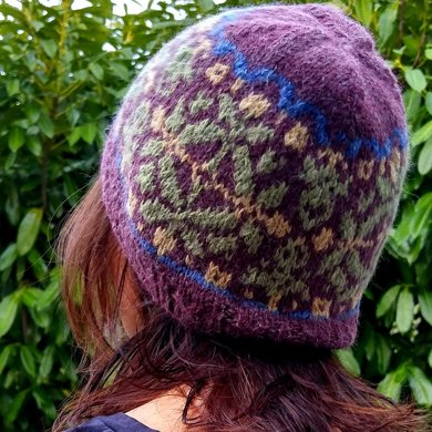 Holly Hat Knitting Pattern By Bunnymuff