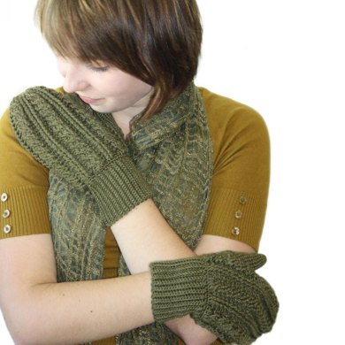 Ladies Cabled Mittens