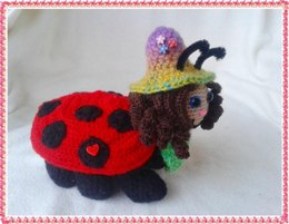 Marie- the special Surprise Bug – crochet pattern
