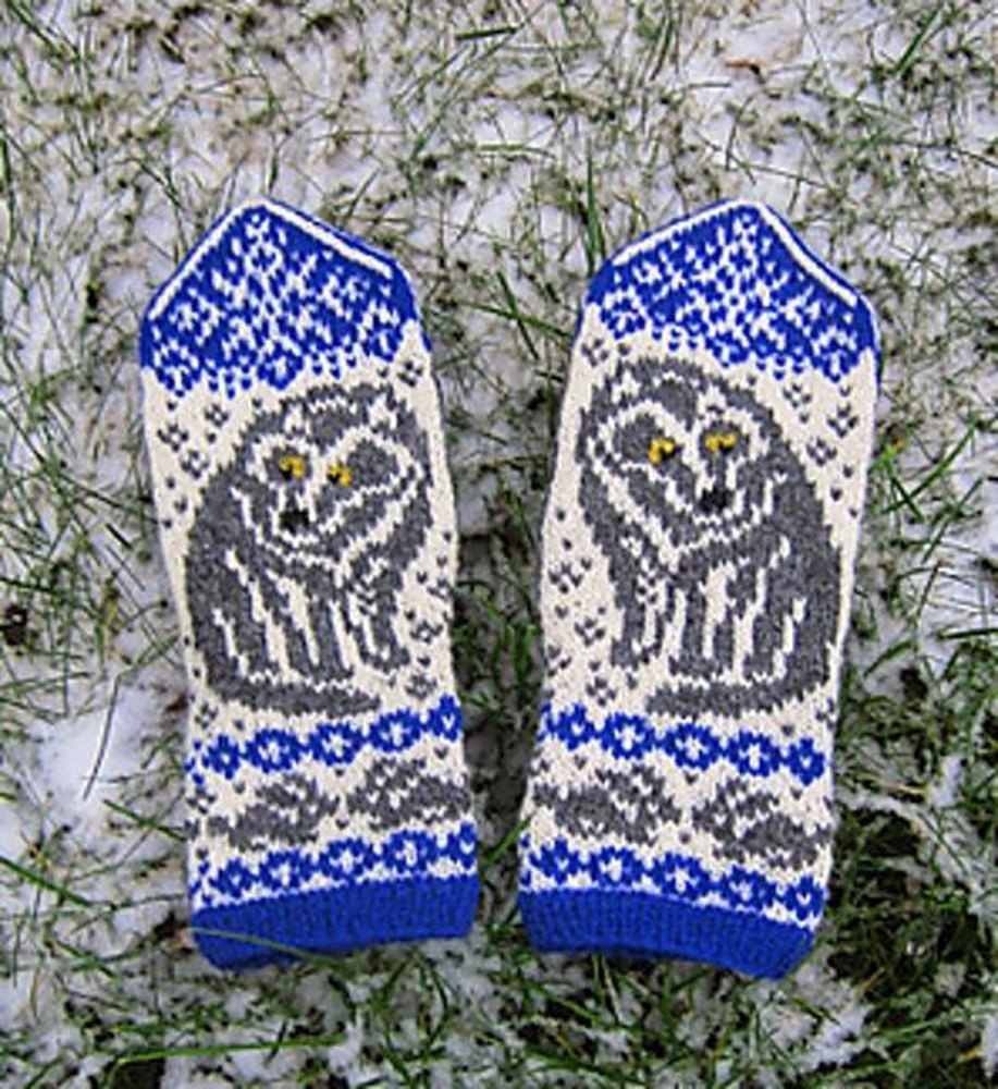 Gray Wolf Mittens Knitting pattern by Kulabra Designs | Knitting ...