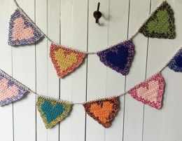 Crochet Hearts Banner Pattern: Floating Hearts Valentine Garland