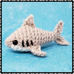 Sam the Shark Amigurumi