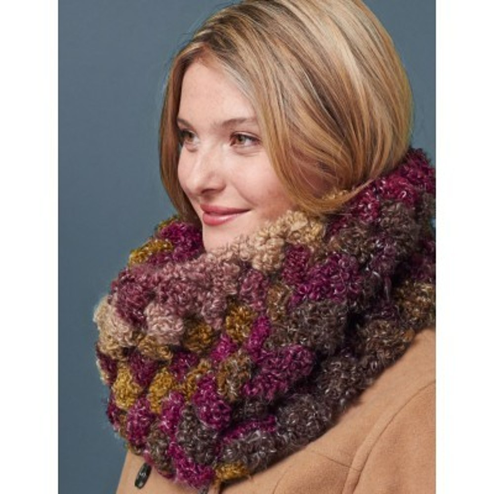 Quick And Cozy Cowl In Patons Big Boucle Downloadable Pdf
