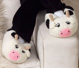 Cow Slippers in Red Heart Super Saver Economy Solids - LW2493