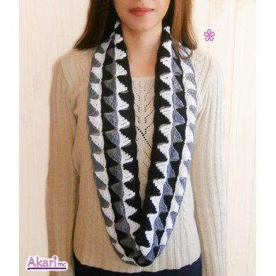 Triangles circle scarf in 3 colors _ M30