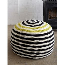 Graphic Stripes Pouf in Bernat Softee Chunky